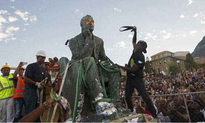 Ο πόλεμος των αγαλμάτων: Ιστορία, μνήμη, ταυτότητα