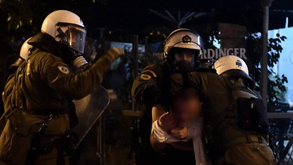 Θέσεις για τις αντιστάσεις (7): Νόμος και βία